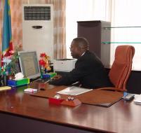 Matata Ponyo, ministre des Finances, à son cabinet. LE SOFT NUMERIQUE.